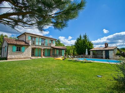 Photo for Beautiful and luxurious villa in Central Istria
