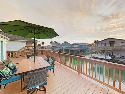 New Listing! West Bay Beauty w/ Private Master Suite, 3 Decks & Kayaks