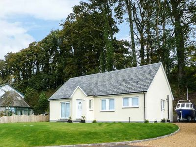 Photo for OSPREY VIEW, pet friendly, with a garden in Creetown, Ref 13348