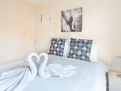 Photo for ***GREAT ENTIRE 2 BED FLAT IN KINGS CROSS - EUSTON