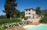 Excellent property and facilities in a spellbinding area of Umbria. A calming and serene experience.