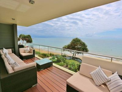 Photo for Gorgeous Beach Front Living
