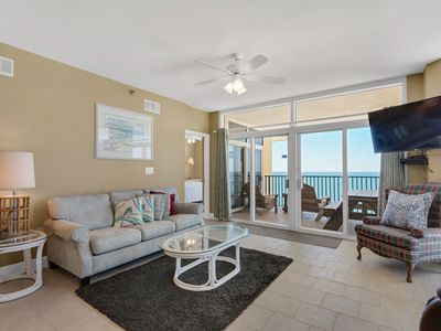 Photo for Spacious condo, Beach service included, Minutes to dining