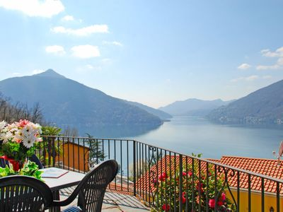 Photo for Apartment Bissonella in Bissone - 4 persons, 2 bedrooms