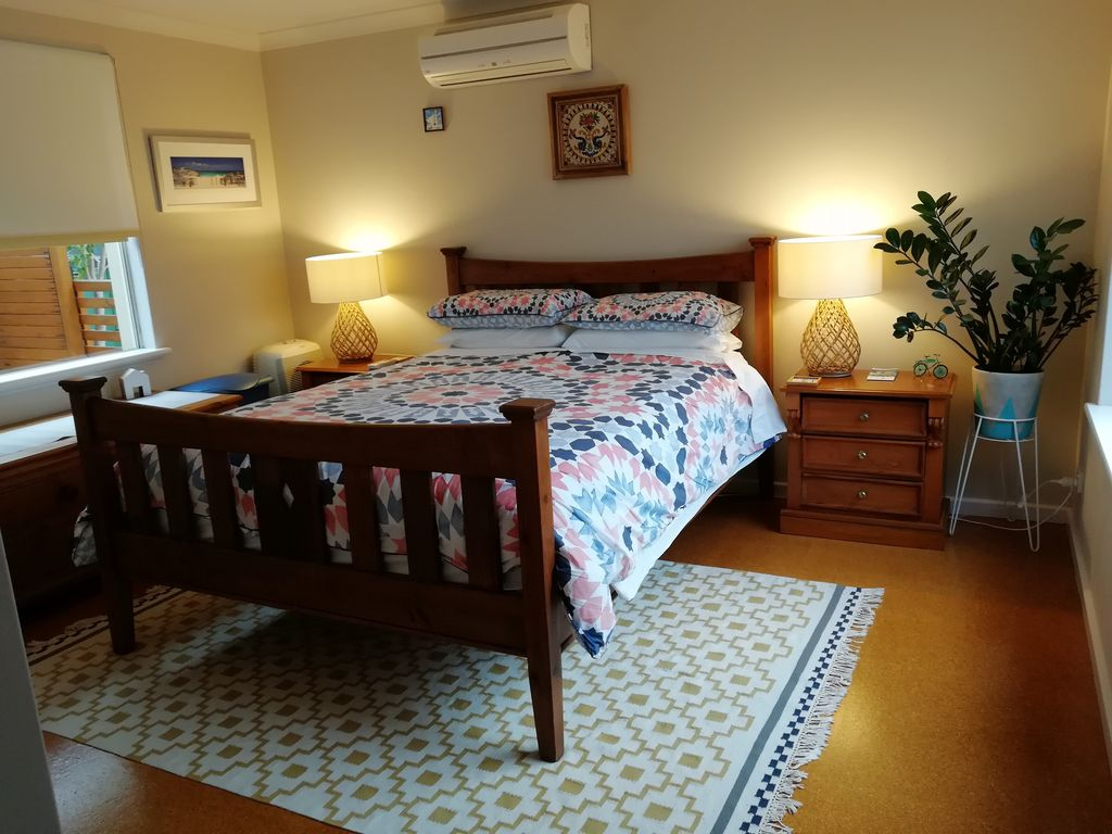 Beaches parklands serenity in city beach accommodation for Serenity house perth