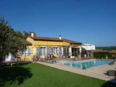 Photo for Provencal style villa with pool