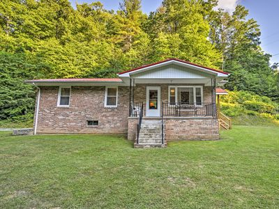 Photo for 3BR Marshall Home Overlooking Blue Ridge Mountains