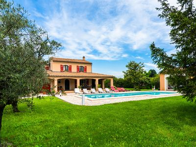 Photo for Villa, a true paradise for the children, with private swimming pool and large grass garden!