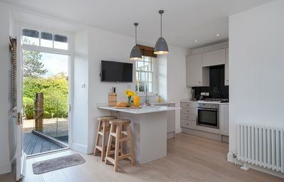 Photo for 1BR Apartment Vacation Rental in Bath, England