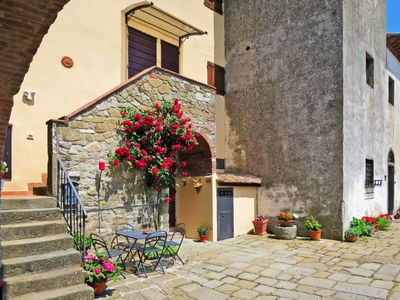 Photo for Apartment Agriturismo La Fornace (RDD127) in Radda in Chianti - 3 persons, 1 bedrooms