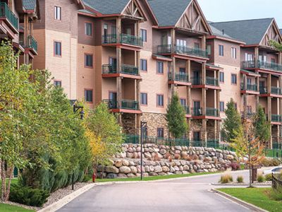 Photo for Wyndham Glacier Canyon, 2 br Deluxe Condo, Free Waterpark Passes