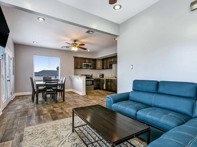Stunning 1BR/ 2BR/ 3BR next to City Park by Hosteeva
