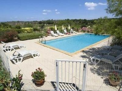 Photo for Between vineyards and garrigue, house with swimming pool