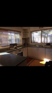 Photo for Excellent location 100 metres to beach & 8 minutewalk to Rosebud Plaza