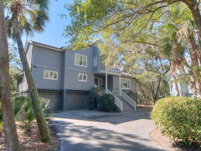 Photo for Spacious Layout, Pet-Friendly, Golf Course View within Vanderhorst Plantation