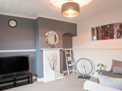 Photo for STUNNING 3 Bed, Cambridge City Ctr, sleeps up to 9