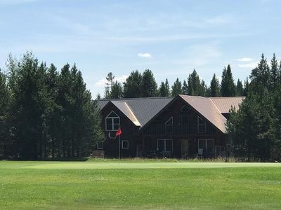 Photo for Yellowstone Escape - open floor plan, loft, game room lounge, yard
