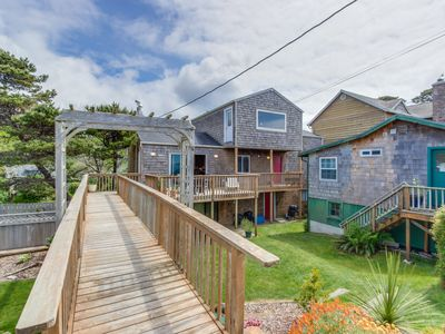 Photo for Comfy, dog-friendly house with ocean views & large deck!