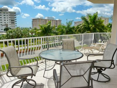 Photo for Spacious condo w/ sky views & short walk to South Beach