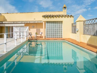 Photo for With large terrace and in ideal location - La Casa del Limonero
