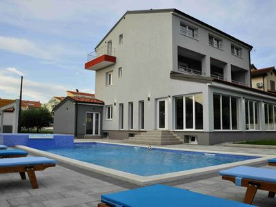 Photo for Villa Istriatica, house for 18 + 2 persons, 200 m from the beach, pool, jacuzzi, sauna