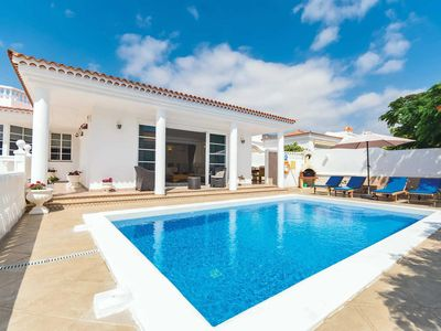 Photo for 3 bedroom Villa, sleeps 6 in Callao Salvaje with Pool, Air Con and WiFi