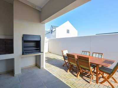 Photo for 4BR House Vacation Rental in Hermanus, We