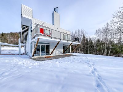 Photo for Secluded modern home w/ jetted tub, fireplaces, & beautiful views!