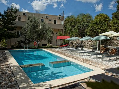 Photo for Traditional Cretan Villa - up to 16 people - TOP!
