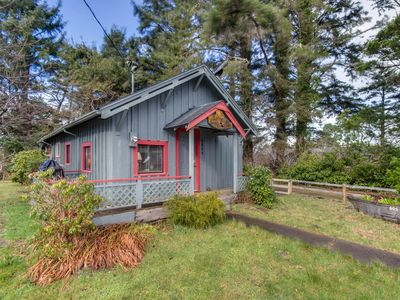 Photo for Cozy, dog-friendly home with easy beach access & an outdoor firepit