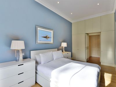 Photo for Comfortable 2 Bedroom in South Kensington