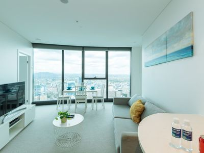 Photo for ★Tallest Tower in CBD★ 2 Bedroom apt with pool&gym