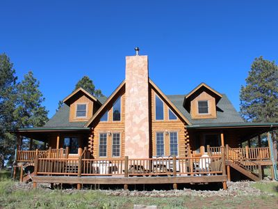 Huge Log Cabin on 20 Acre Ranch close to Grand Canyon with Spectacular Views!