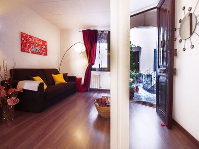 Photo for Sagrada Rosselló apartment in Eixample Dreta with WiFi & shared garden.