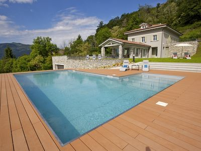 Photo for Brand new villa with swimming pool overlooking the lake