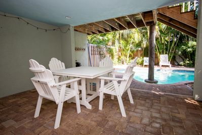Shaded Dining Pool Side!
