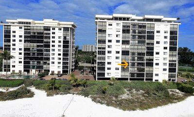 Photo for Islands End 2 Bedroom 2 Bath, Sleeps 6 Updated Beachfront Condo Fort Myers Beach