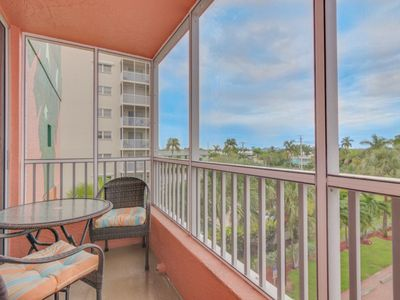 Photo for Bay View Efficiency on Fort Myers Beach/Estero Island- Unit 204