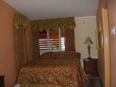 Master Bedroom Kingston a beautiful 2 bedroom townhouse located in  - vrbo