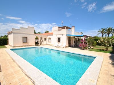 Photo for Torreta, Torrevieja villa ind. 3 ch, 3 sdb, 1wc, pisc. Private parking