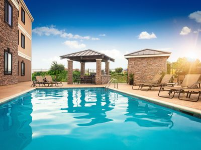 Photo for 30 Minutes from Six Flags! | Free Wi-Fi + Complimentary Breakfast + Outdoor Pool