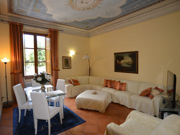Luxury apartment in five-star, with every comfort in the center of Florence