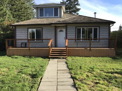 Photo for Casita Lago - charming 2-bedroom home near lake and town