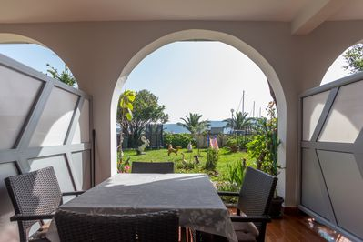 For those who love the outdoors you can not miss a livable terrace.