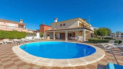Photo for Large house with pool near Palma