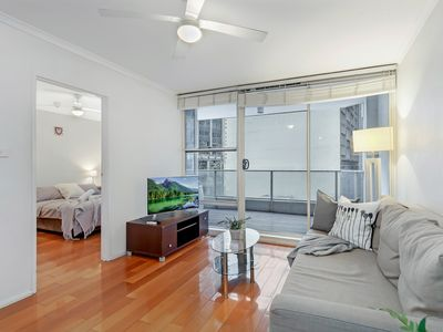Photo for A Central Sydney CBD Apt Next to Wynyard Station