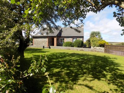 Photo for Two bedroom holiday cottage in a quiet rural location.