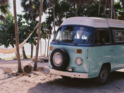 Combi Volskwagen 1976 Westfalia in tulum and around it