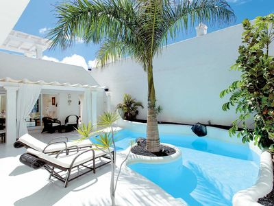 Photo for 3 bedroom Villa, sleeps 6 in Corralejo with Pool, Air Con and WiFi