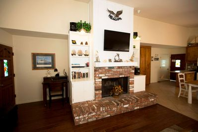 3-Living-Room-to-Kitchen